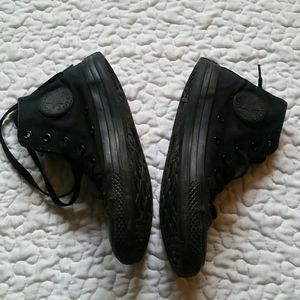 Converse High Top Solid Black Size 2 Youth Shoes